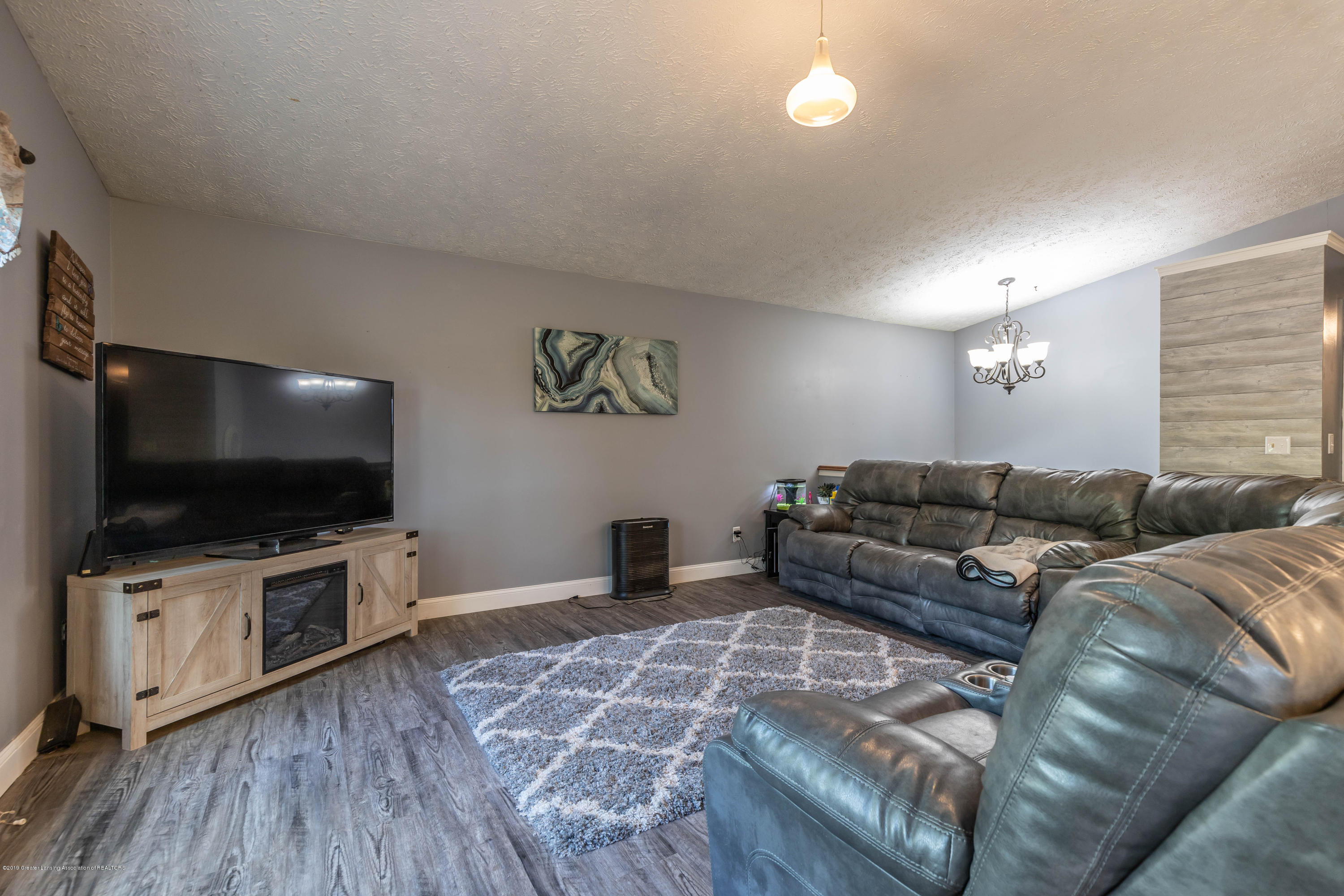 9290 Westchester Dr - Living Room - 5