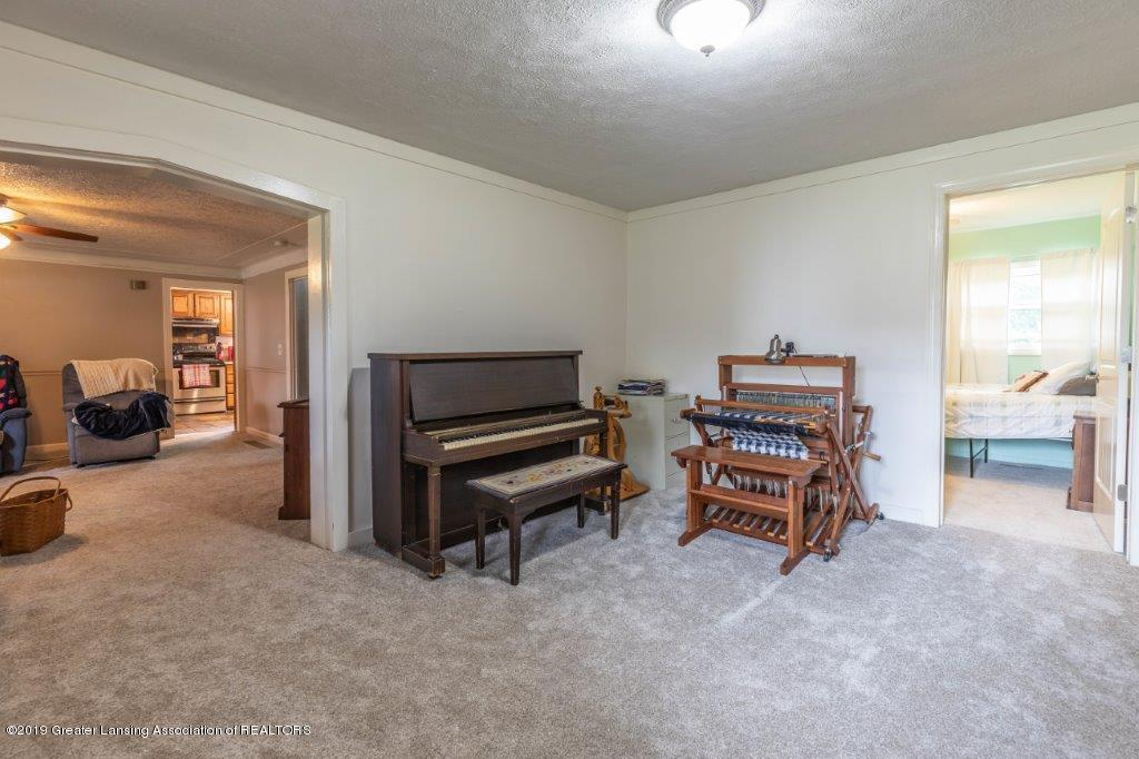 2740 Carter Rd - Family Room - 15