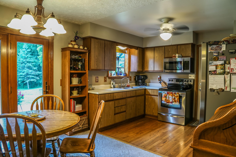 812 S Waverly Rd - Kitchen - 8