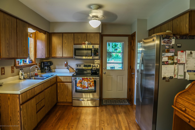 812 S Waverly Rd - Kitchen - 9