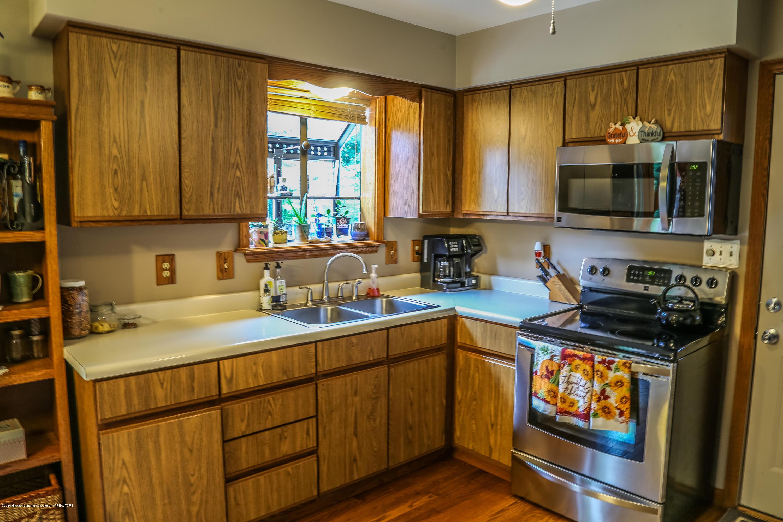 812 S Waverly Rd - Kitchen - 10