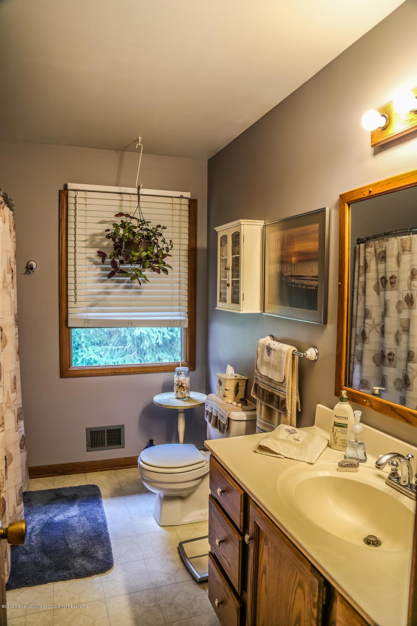812 S Waverly Rd - Bathroom - 26