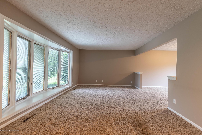 3870 Azalea Ln - Living Room - 6