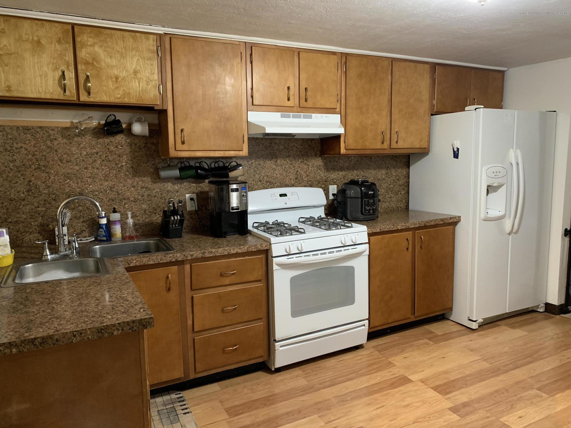 6172 Porter Ave - Kitchen - 9