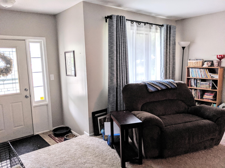 820 W Shepherd St - Living Room - 14