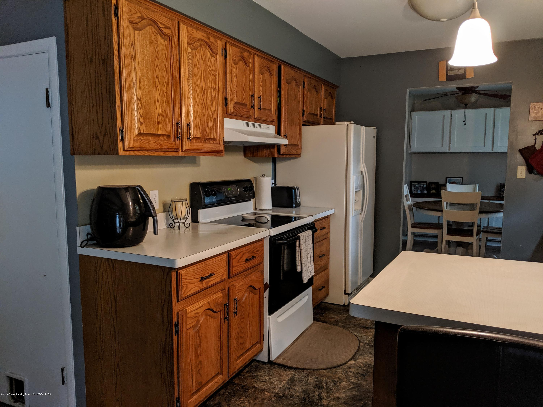 820 W Shepherd St - Kitchen - 10