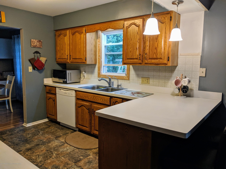 820 W Shepherd St - Kitchen - 11