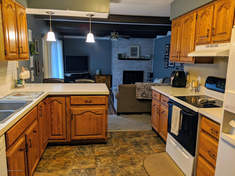 820 W Shepherd St - Kitchen - 12