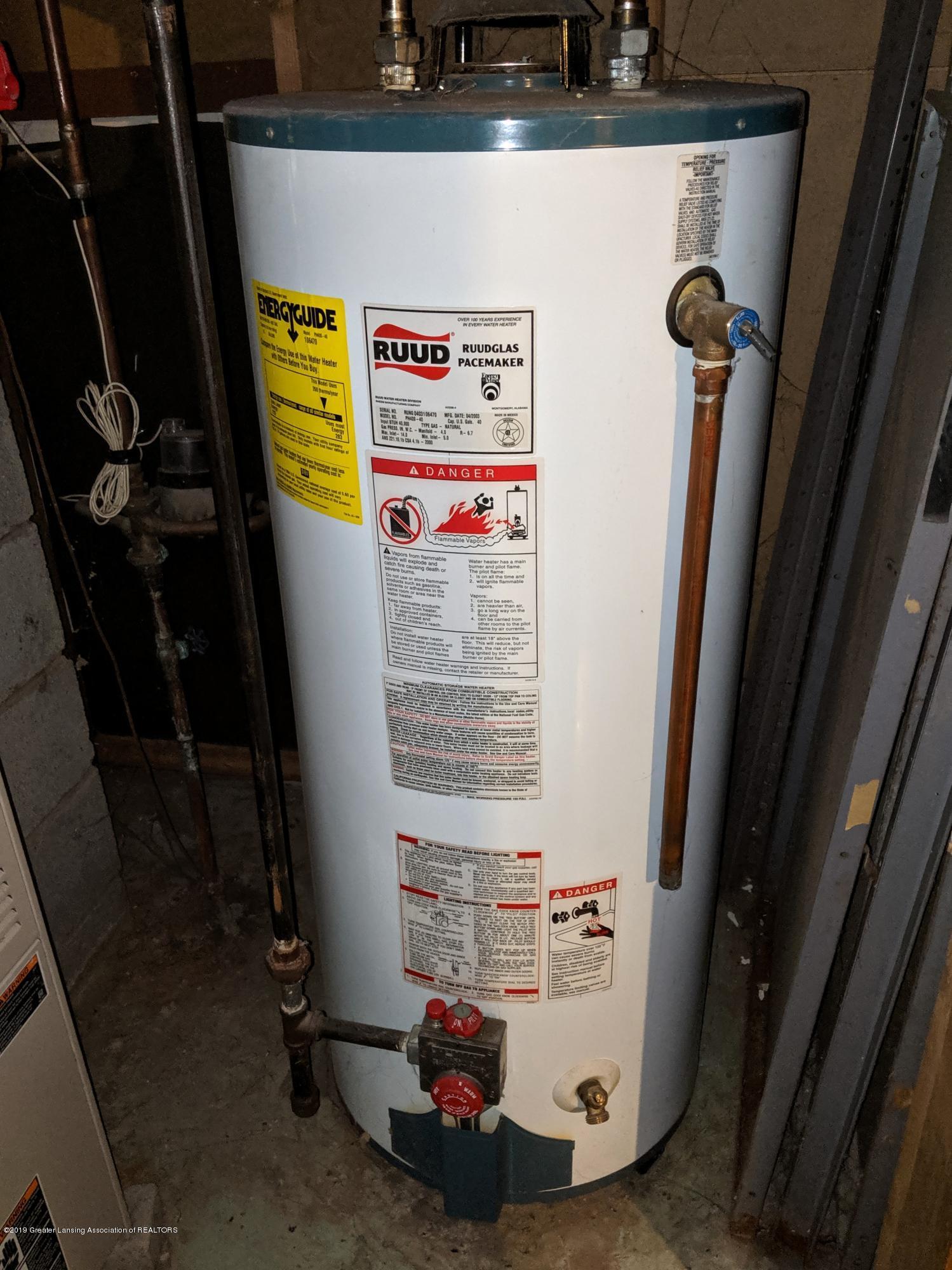 820 W Shepherd St - Water Heater - 28