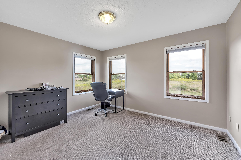 3560 Meridian Rd - 3560-Meridian-Rd-Lansing-MI-windowstill- - 19