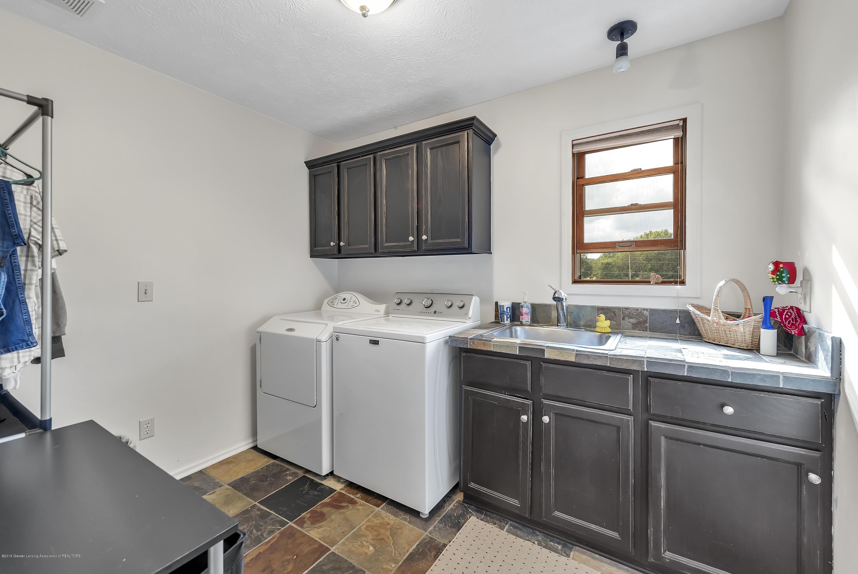 3560 Meridian Rd - 3560-Meridian-Rd-Lansing-MI-windowstill- - 24