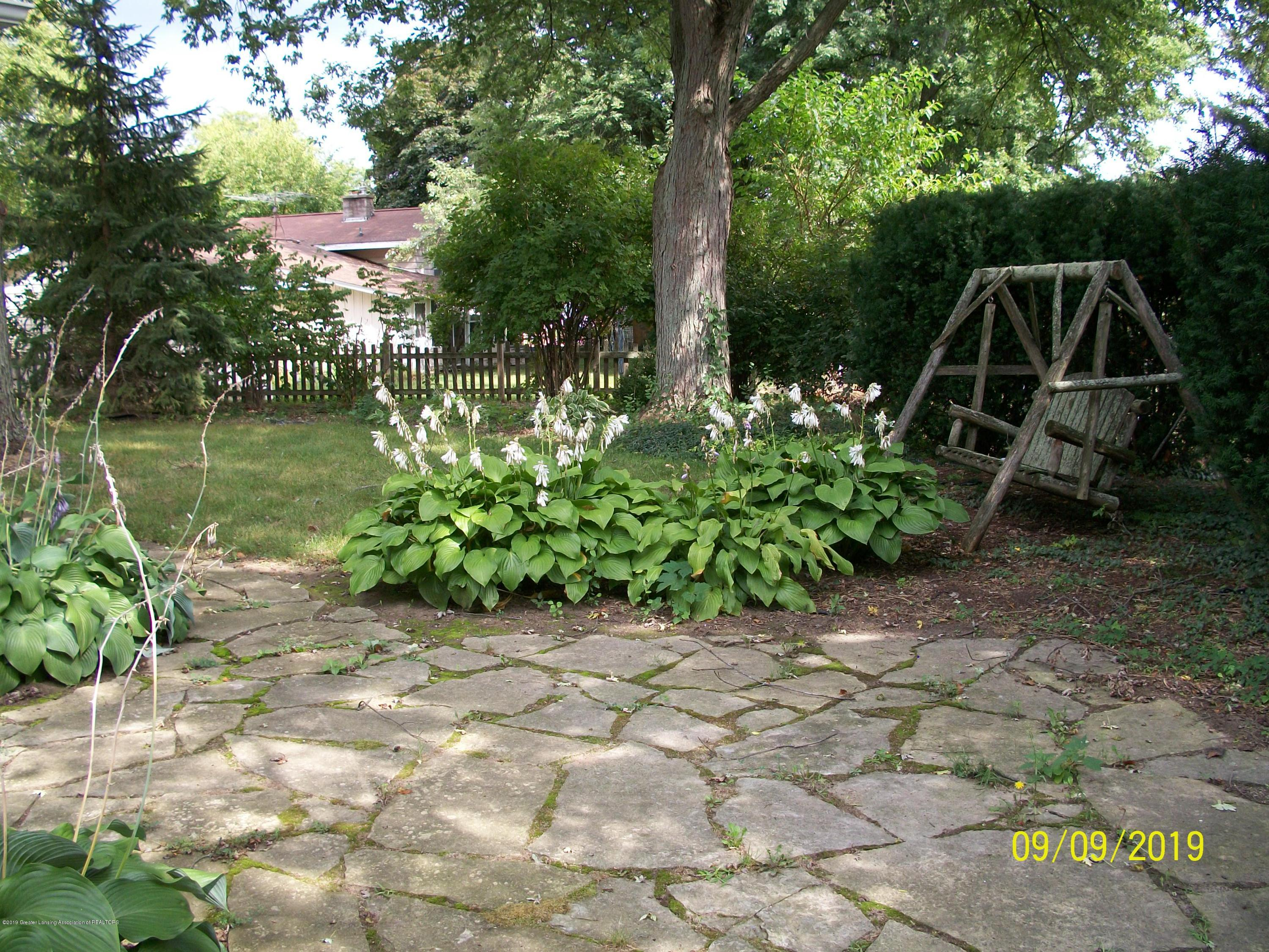 901 Gary Ct - Back Yard - 24