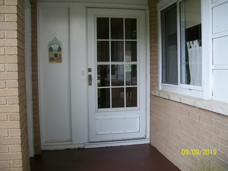 901 Gary Ct - Front Door - 25