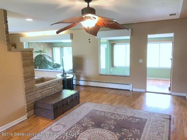 1610 Wellington Rd - Living Room - 5