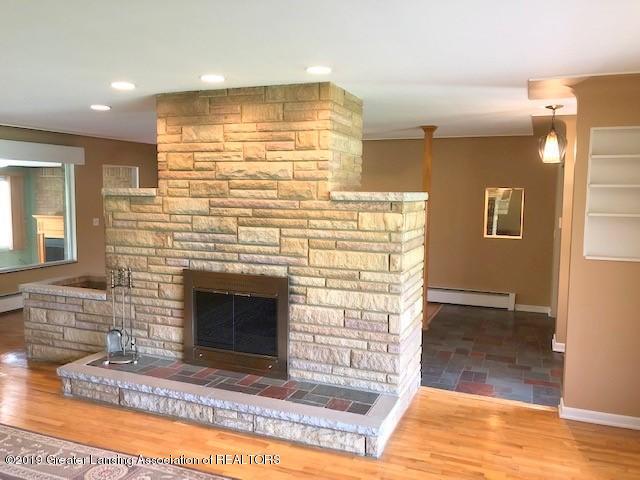 1610 Wellington Rd - Living Room - 8