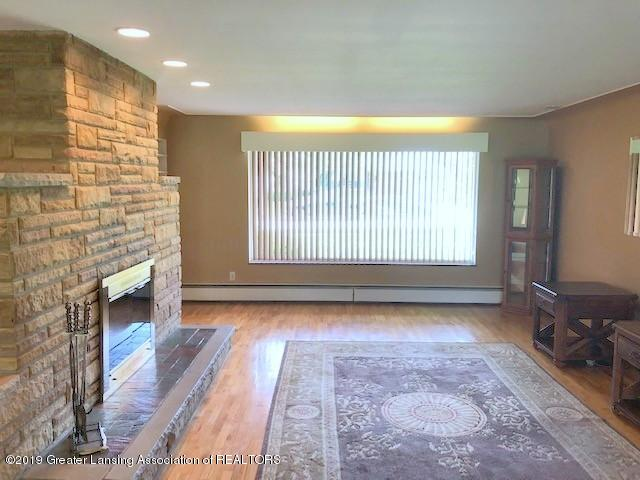1610 Wellington Rd - Living Room - 9
