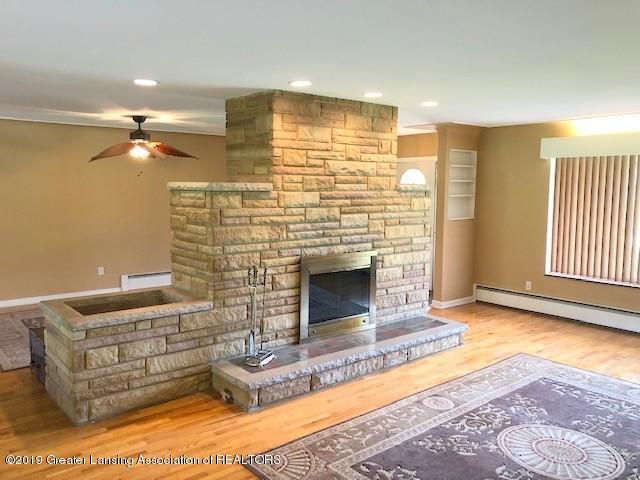 1610 Wellington Rd - Living Room - 10