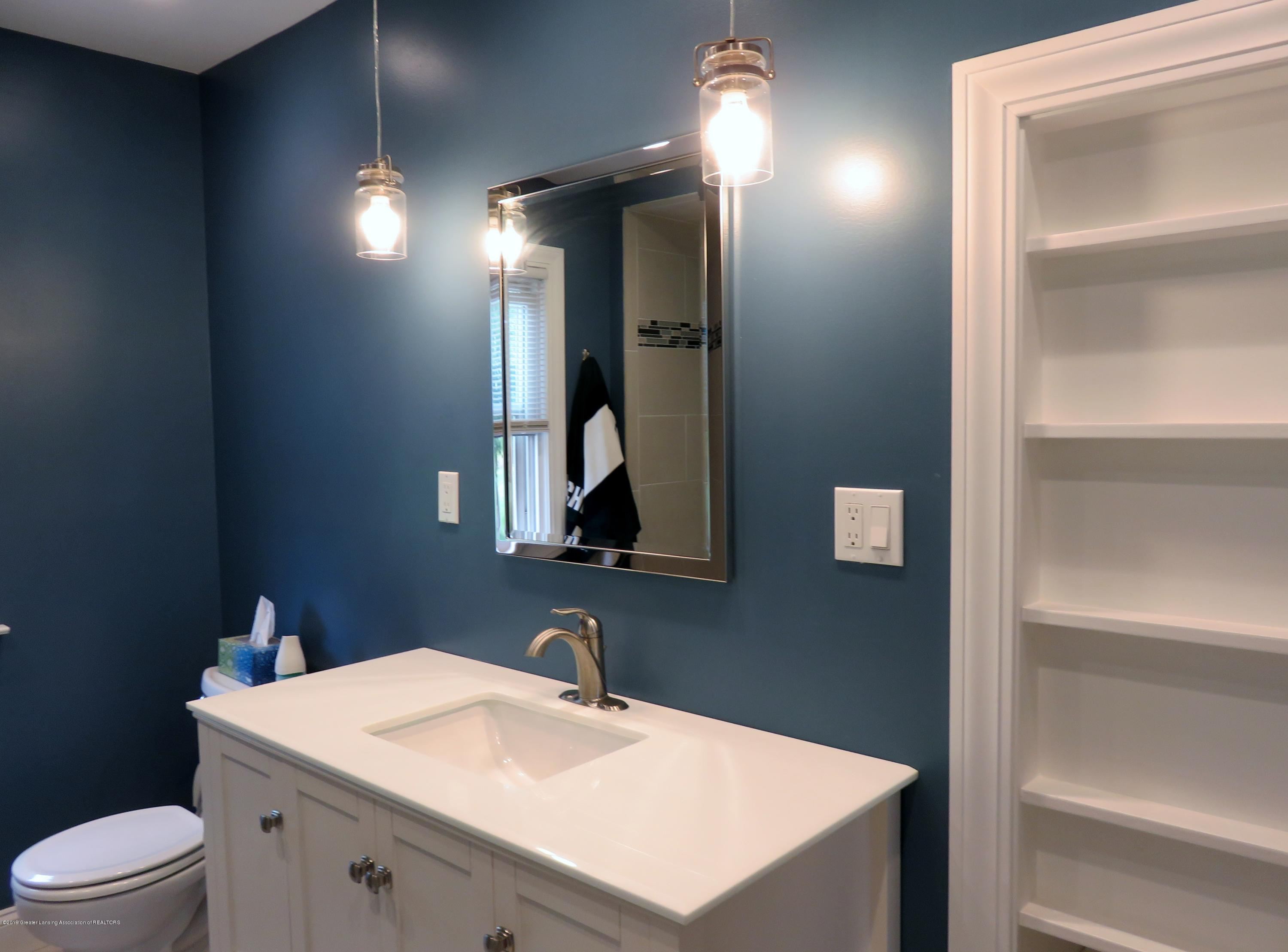 7123 E Mt Hope Hwy - Master Bath - 17