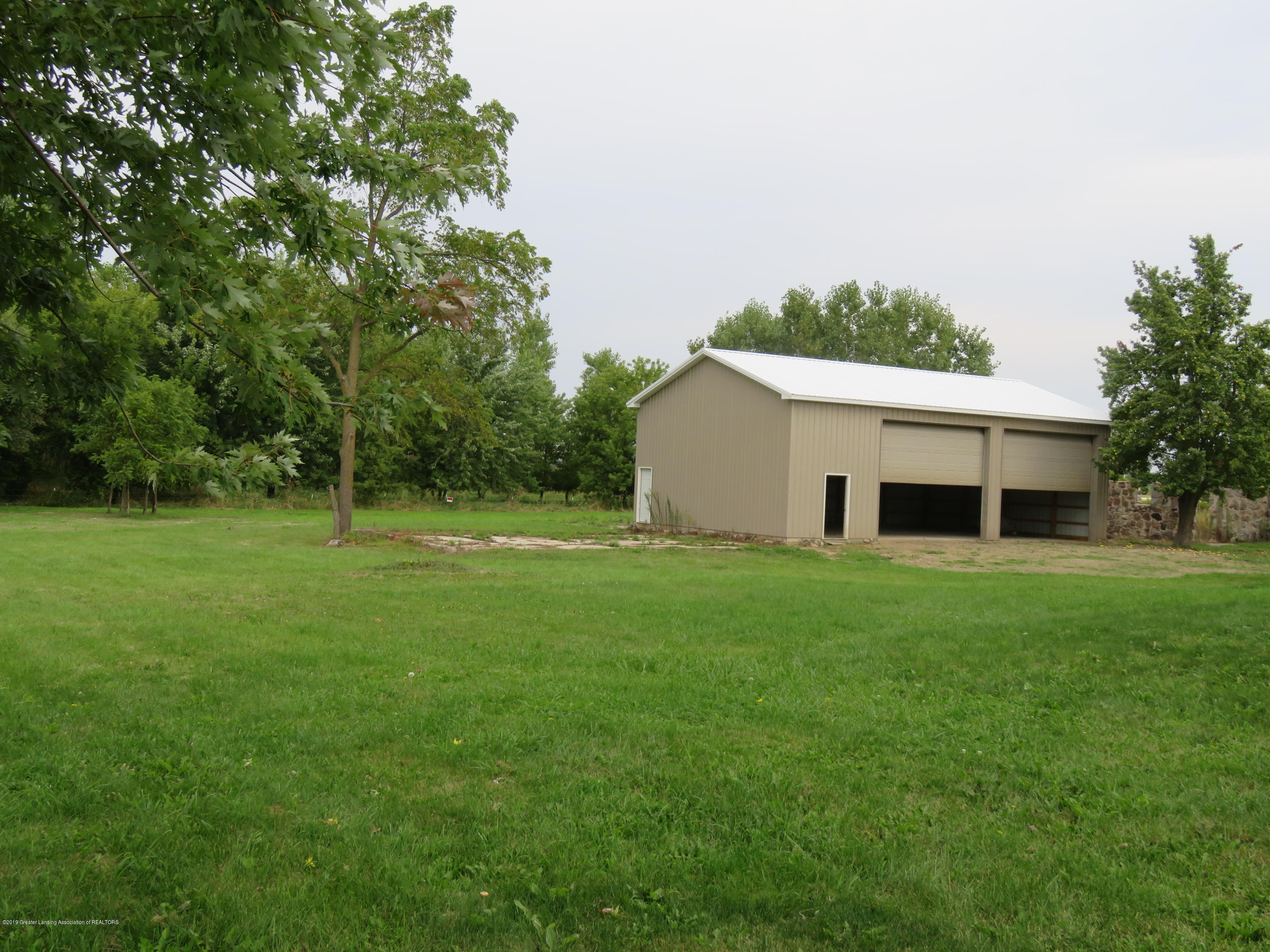 7123 E Mt Hope Hwy - Large 1536 Sq Foot Pole Barn - 31