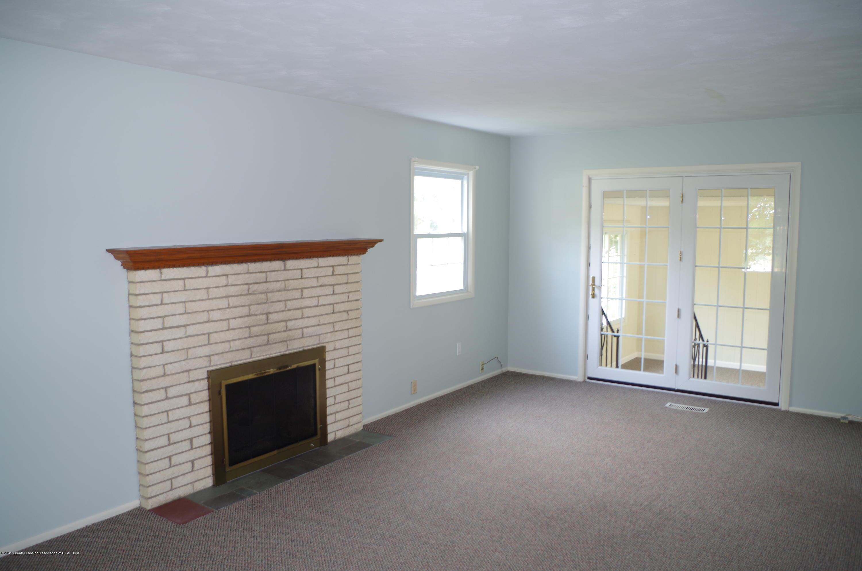 2661 Linden St - Living Room - 9