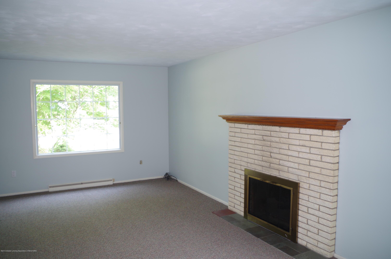 2661 Linden St - Living Room - 10
