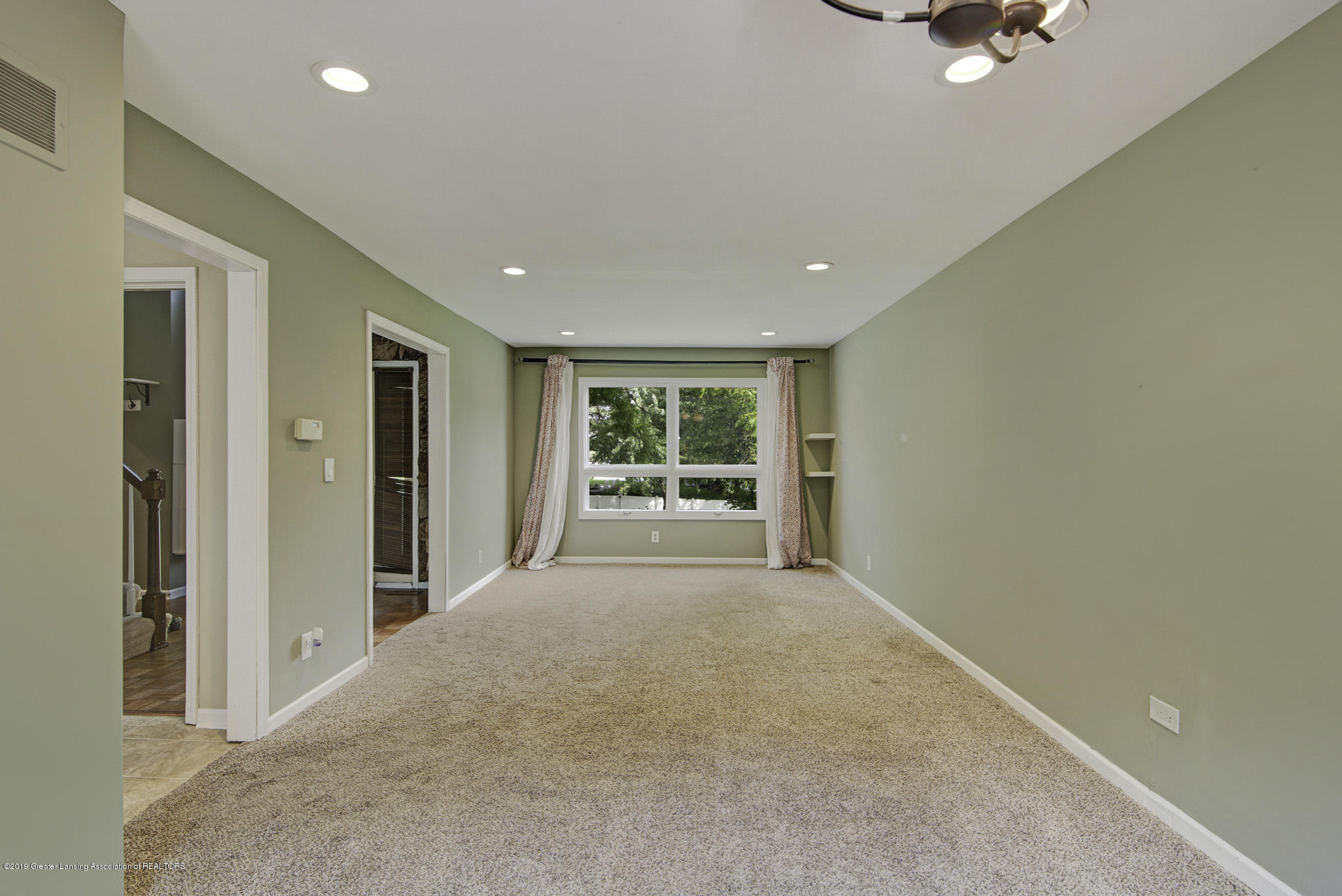 1417 Spearberry Ln - Living Room - 8