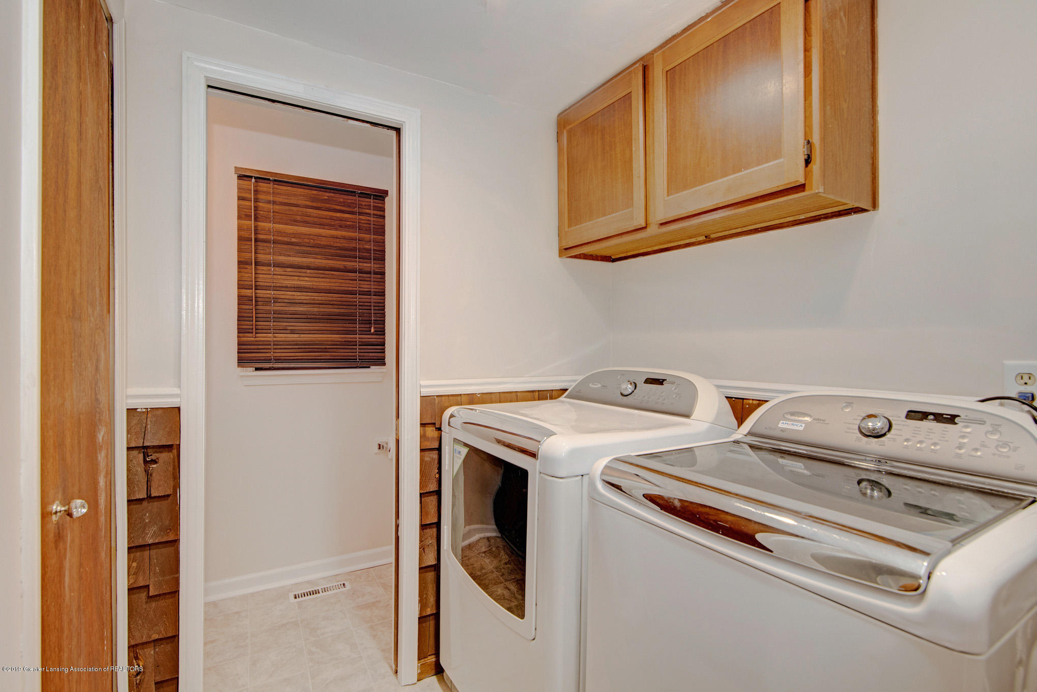 1417 Spearberry Ln - Laundry Center - 14