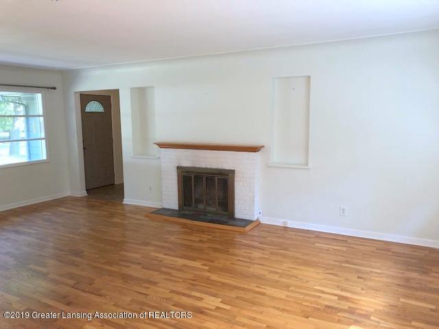 2349 Seminole Dr - Living Room - 12