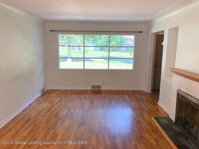 2349 Seminole Dr - Living Room - 13