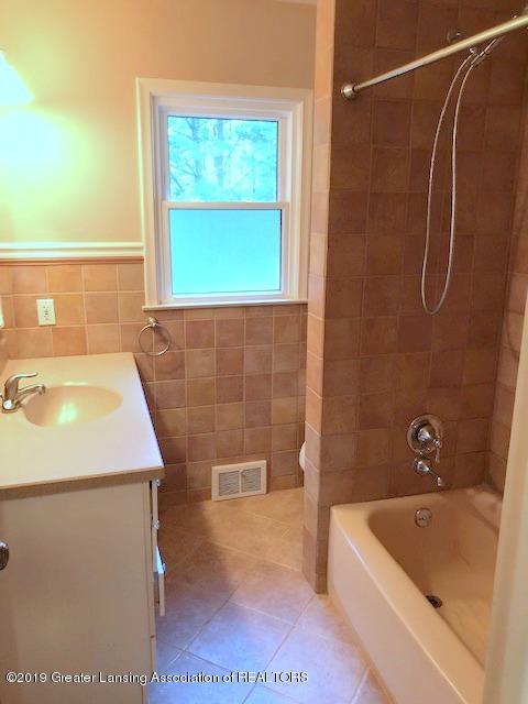 2349 Seminole Dr - Bathroom - 20