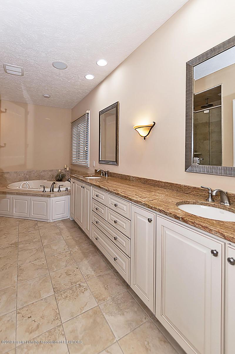 6149 Bridgewater Cir 49 - 6149 Bridgewater Master Bath - 30
