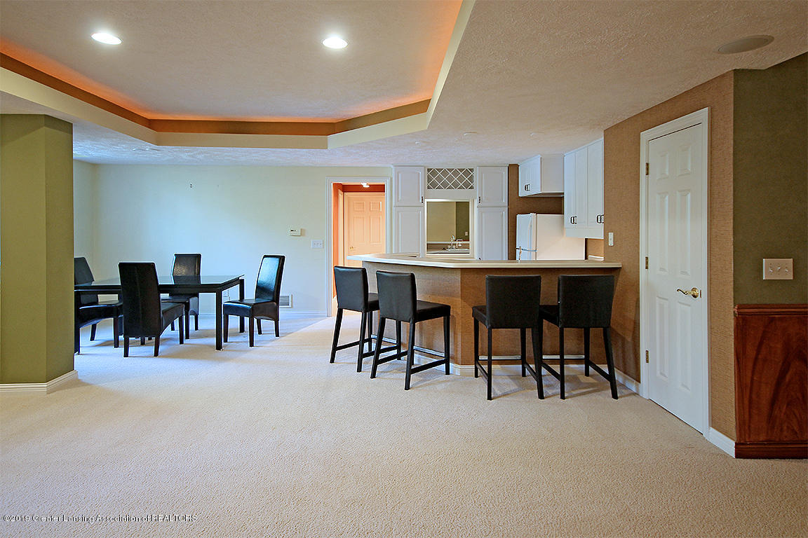2056 Timberview Dr - Wet bar and lounge - 42