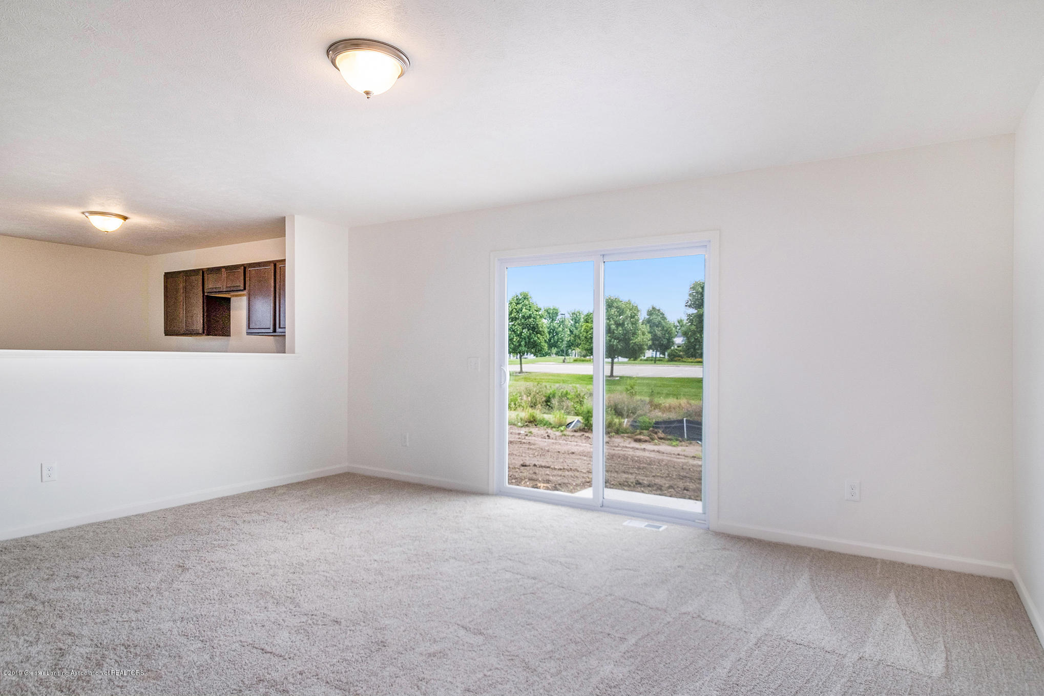 929 Bolton Farms Ln - GF2033-i1560-Great Room1 - 5