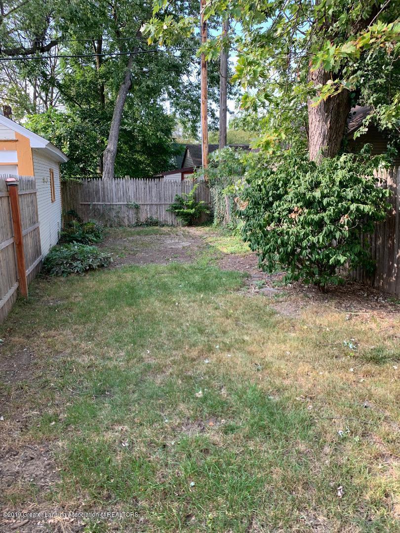 1526 Spencer St - 23 Backyard - 23