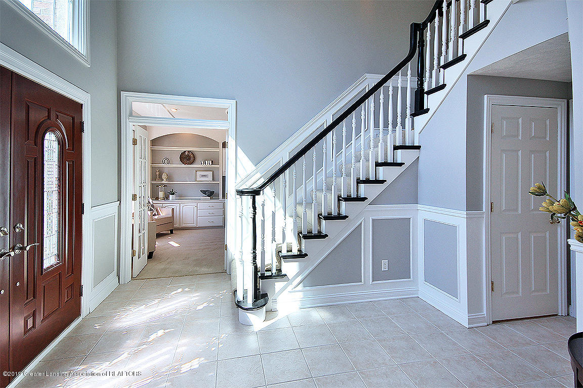 2056 Timberview Dr - Foyer - 5