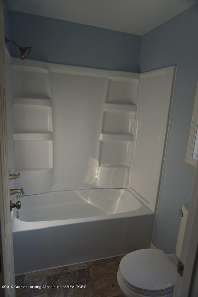 10769 Kingsland Hwy - Master Bathroom - 15
