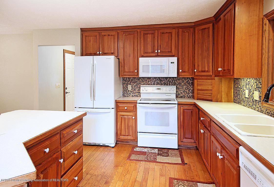 4084 Hulett Rd - Kitchen - 13