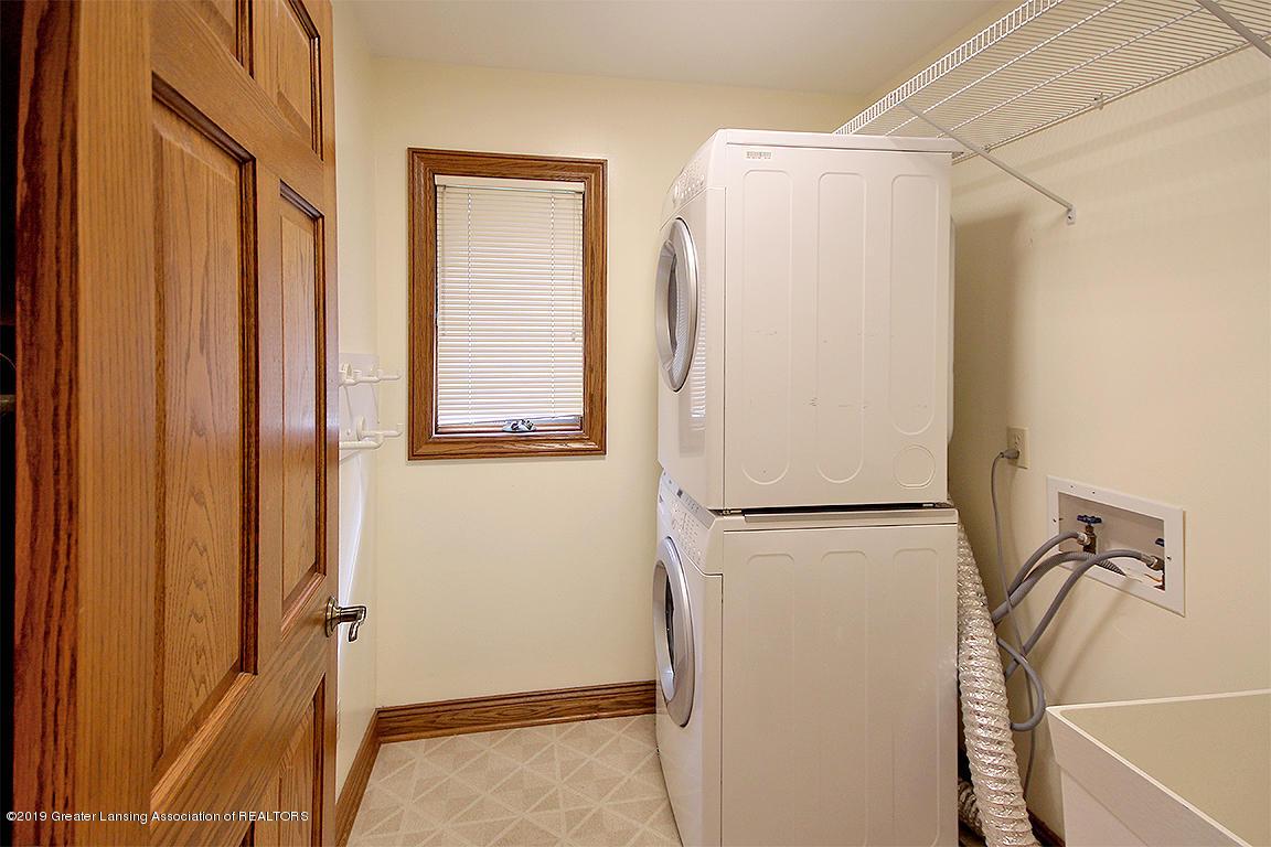 4084 Hulett Rd - 1st Floor Laundry - 19