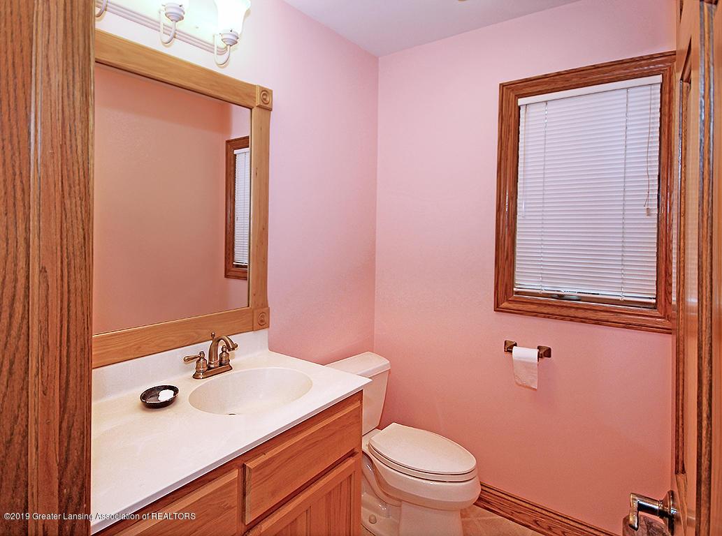 4084 Hulett Rd - Laundry Half Bath - 20