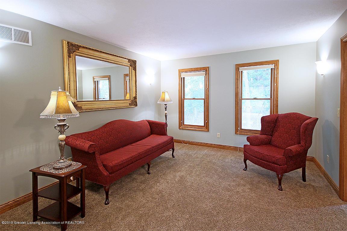 4084 Hulett Rd - Living Room - 5