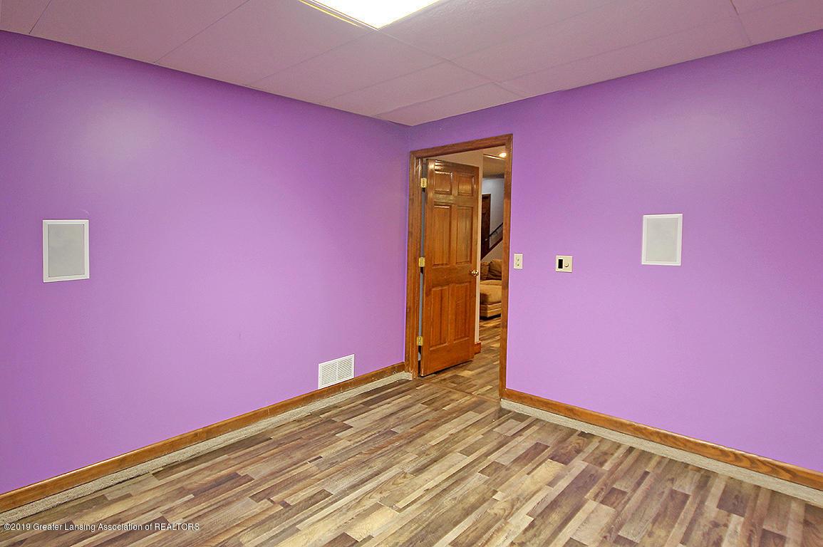 4084 Hulett Rd - Lower Level Bedroom - 36