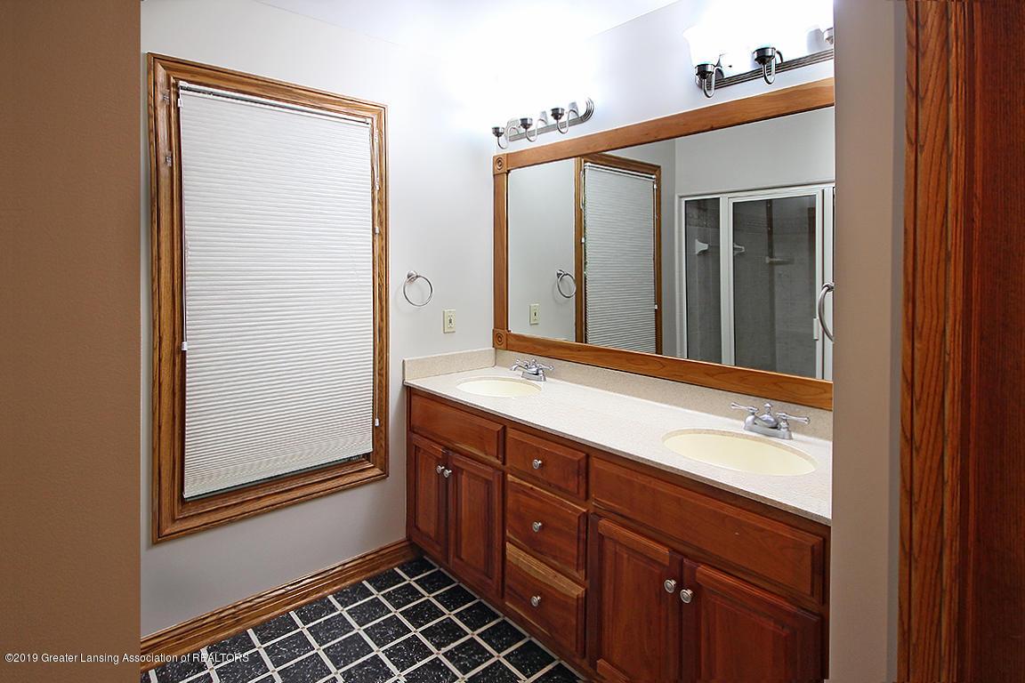 4084 Hulett Rd - Master Bath - 18