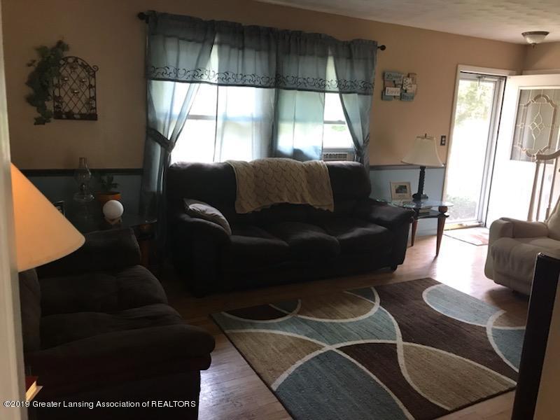 306 S Baker St - Living Room - 3