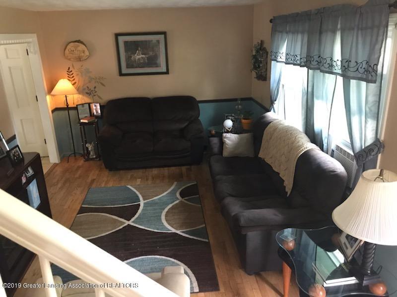 306 S Baker St - Living Room - 4