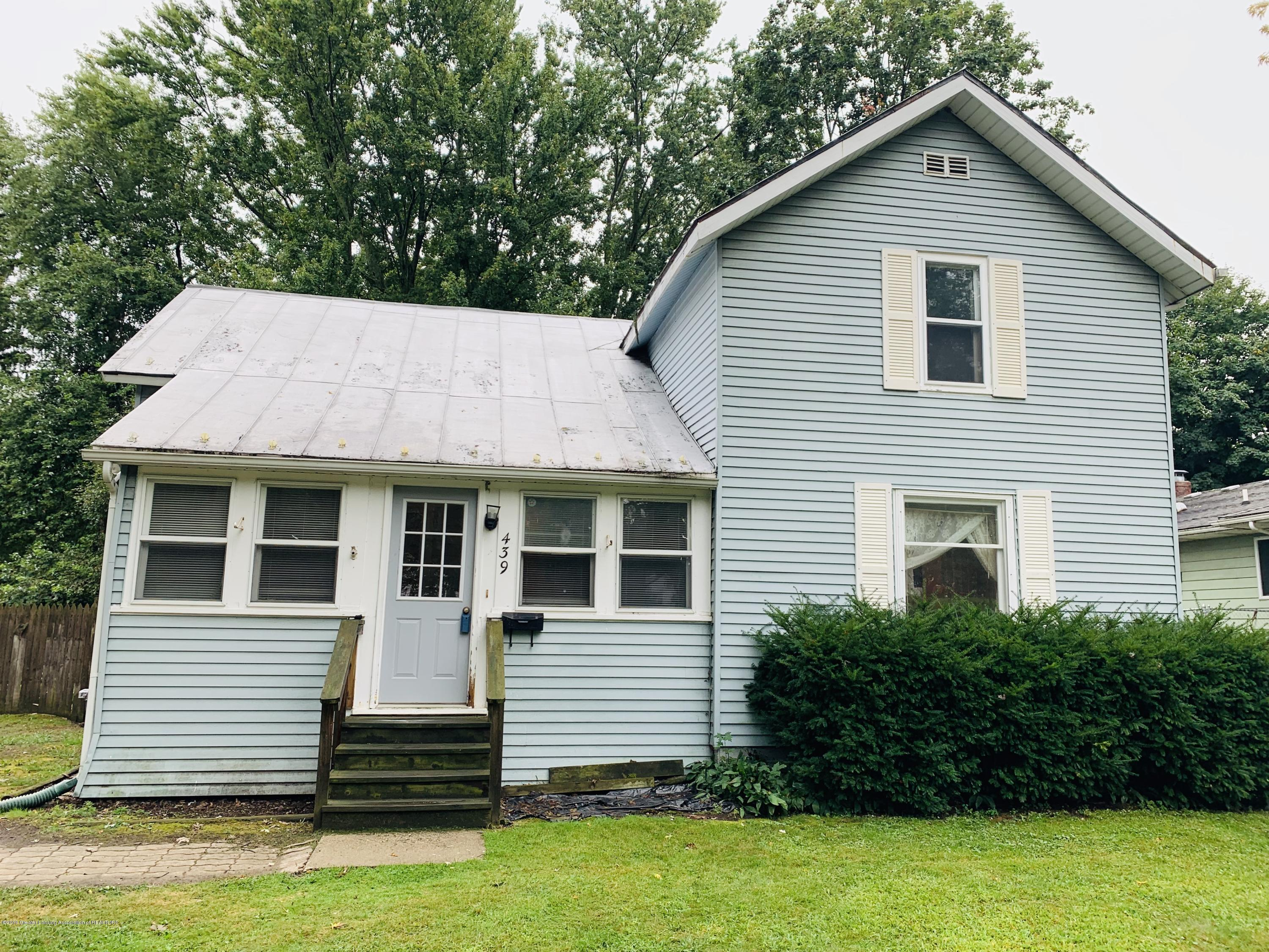 439 W Sycamore St - Welcome Home - 1