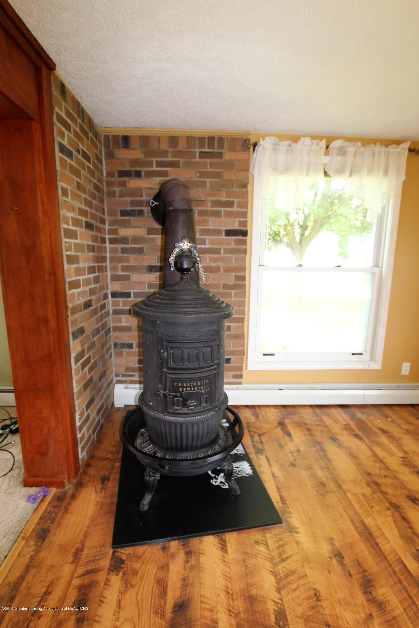 177 Potter St - Antique Woodstove - 9