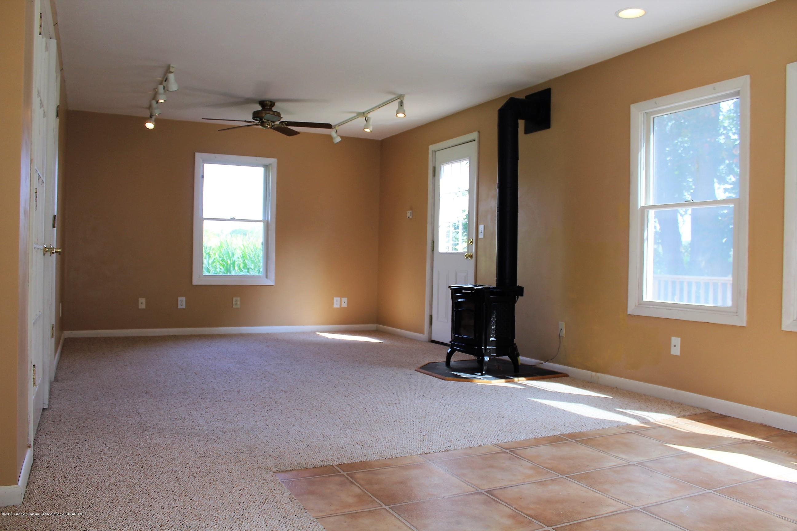 177 Potter St - Family Room - 23