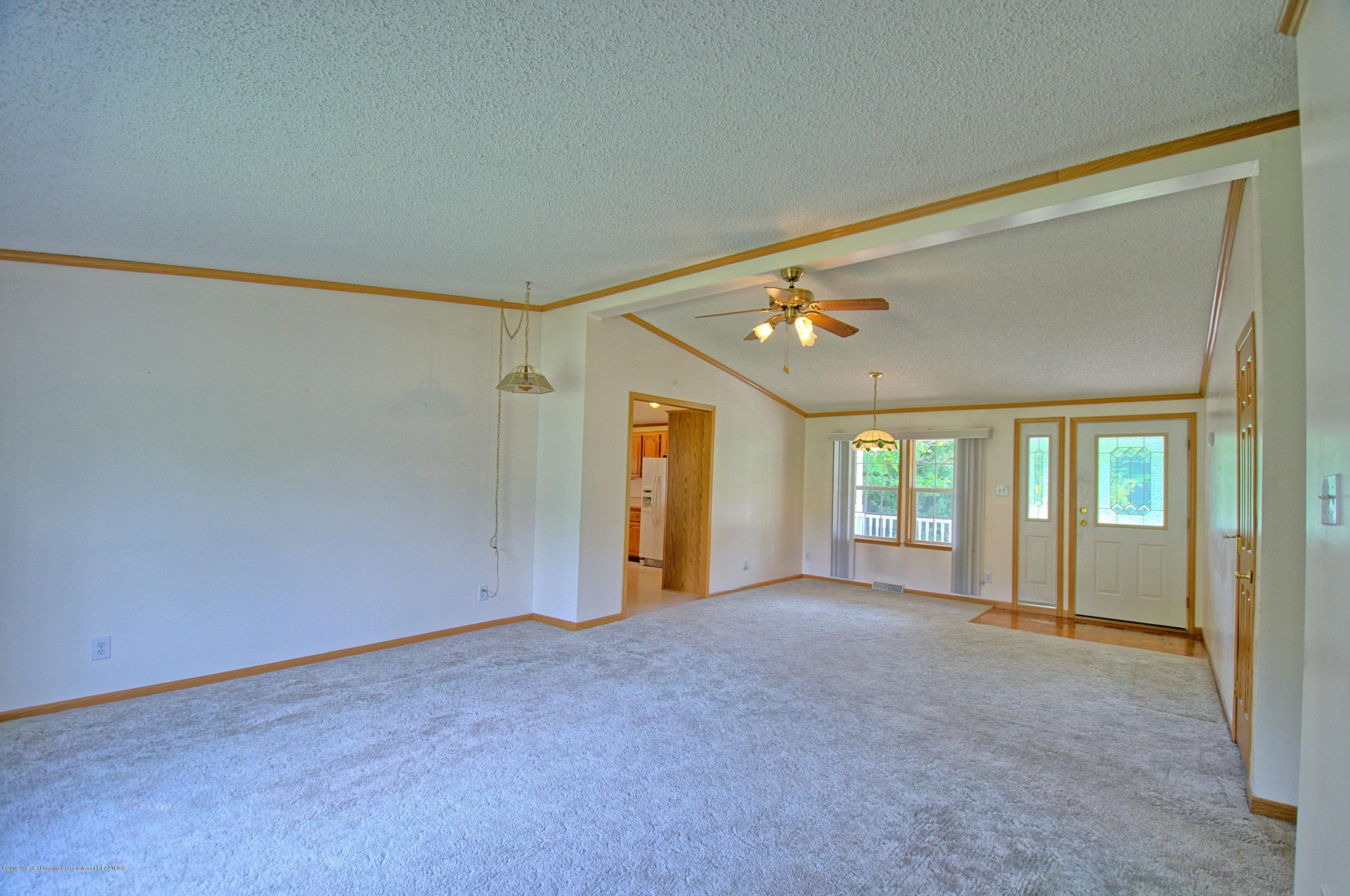 4860 Old Plank Rd - Living Room - 10