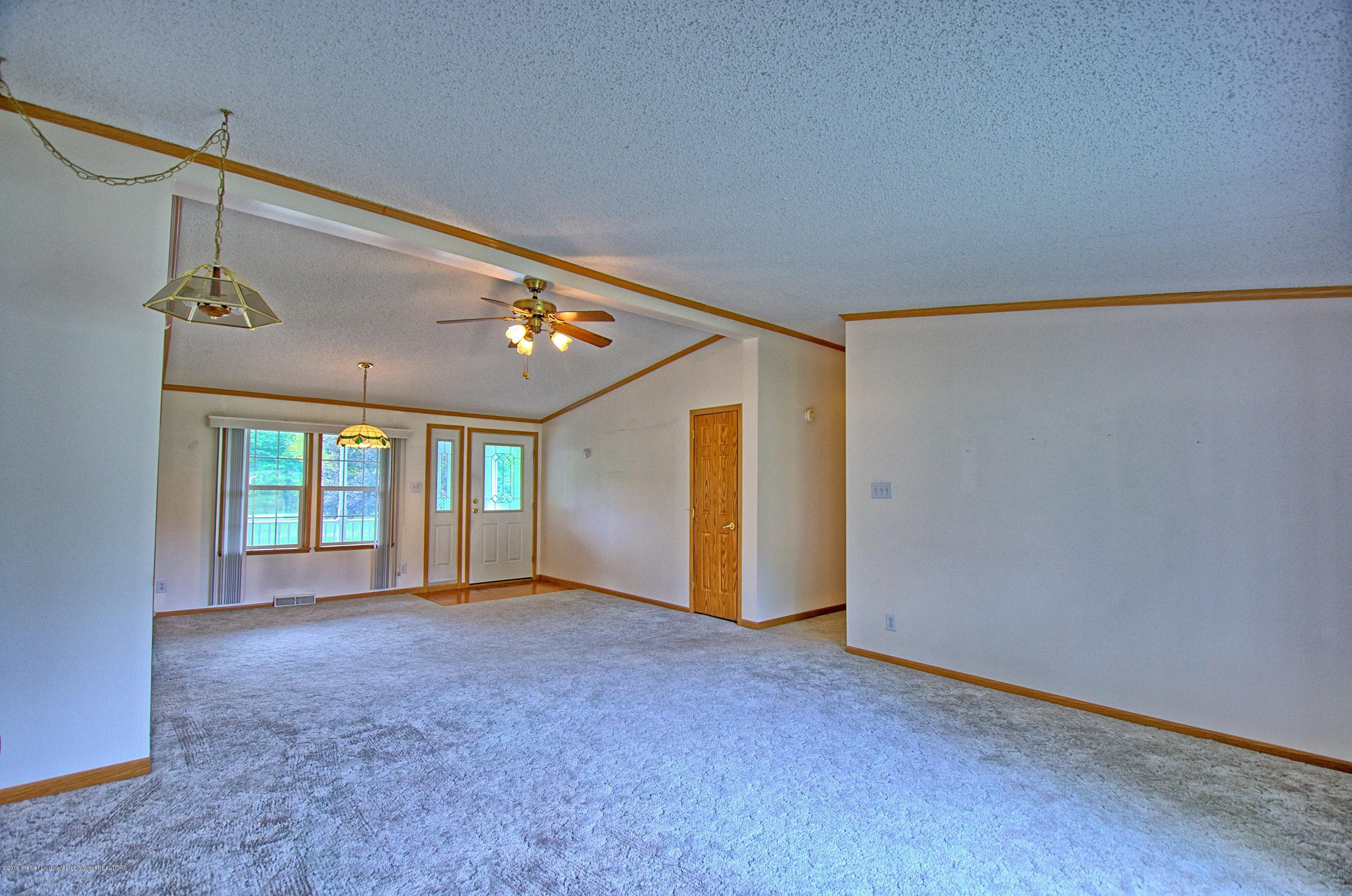 4860 Old Plank Rd - Living Room - 9