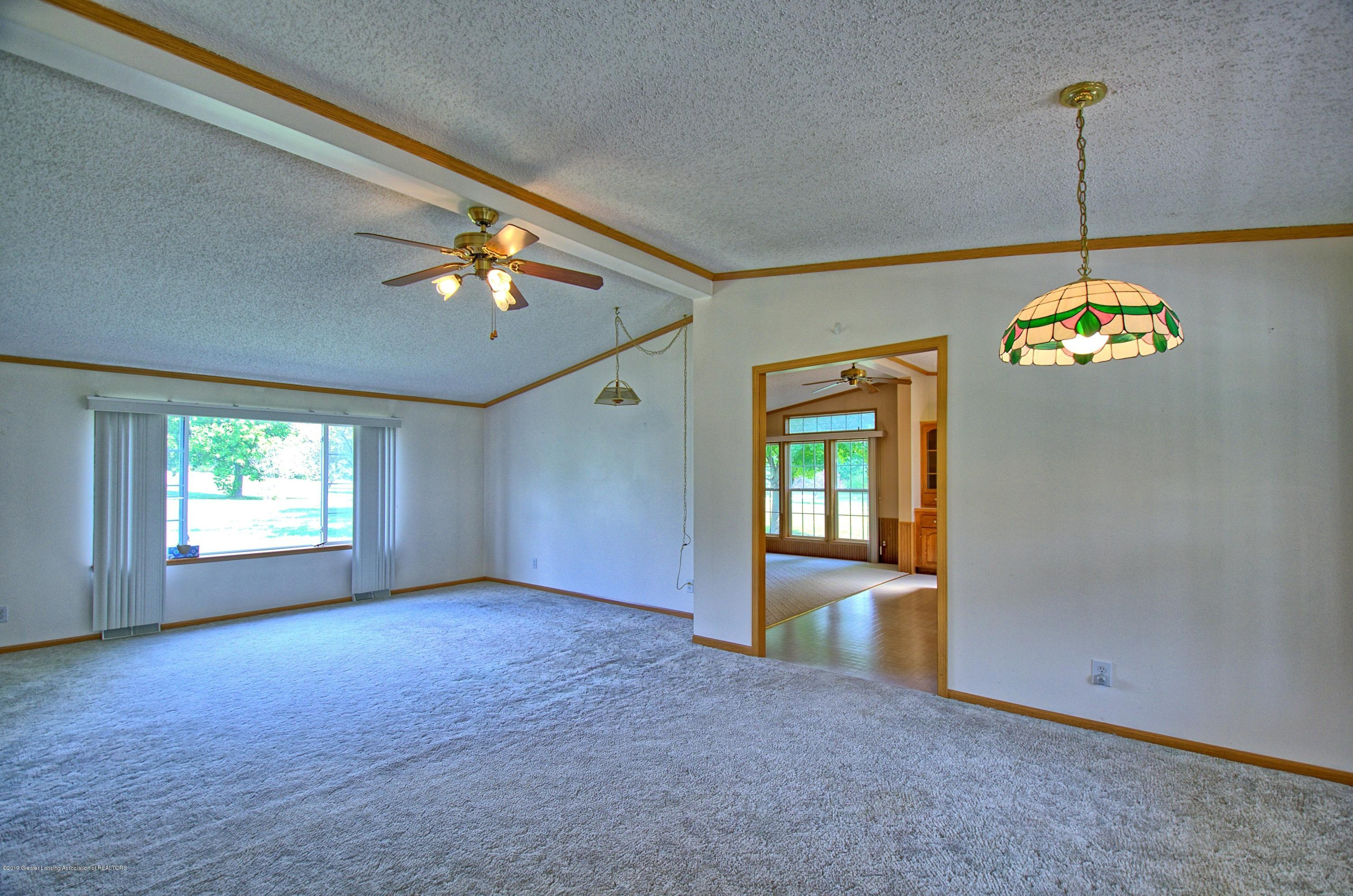 4860 Old Plank Rd - Living Room - 8